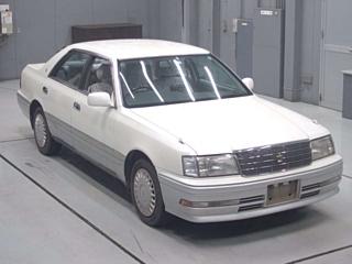 TOYOTA CROWN  с аукциона в Японии