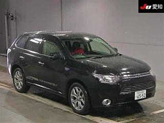 MITSUBISHI OUTLANDER PHEV G Premium 4WD с аукциона в Японии