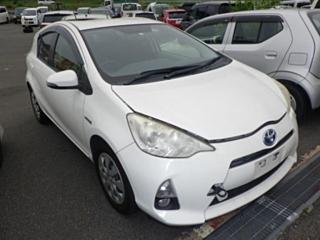 TOYOTA AQUA S с аукциона в Японии